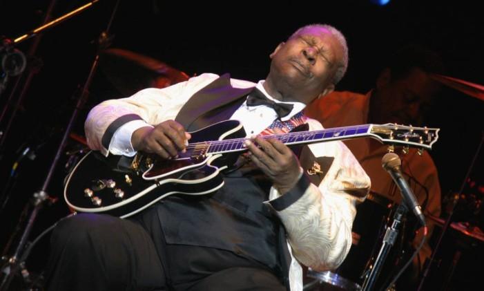 B.B. King com sua guitarra Lucille Foto: Divulgação