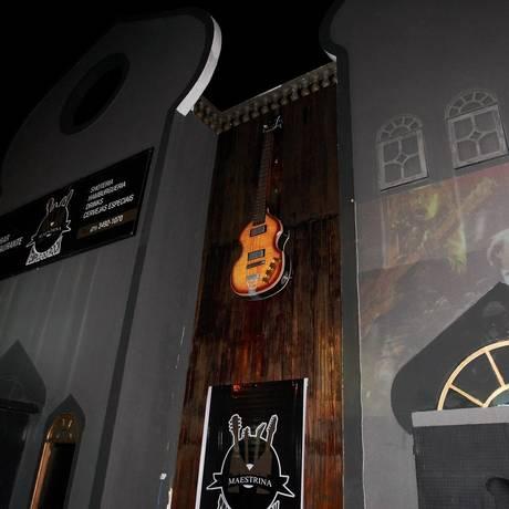 Rock na veia. O Maestrina Templo do Rock, em Itaipu, tem programação dedicada exclusivamente ao gênero que nasceu nos anos 50 Foto: Luiz Ackermann / Agência O Globo
