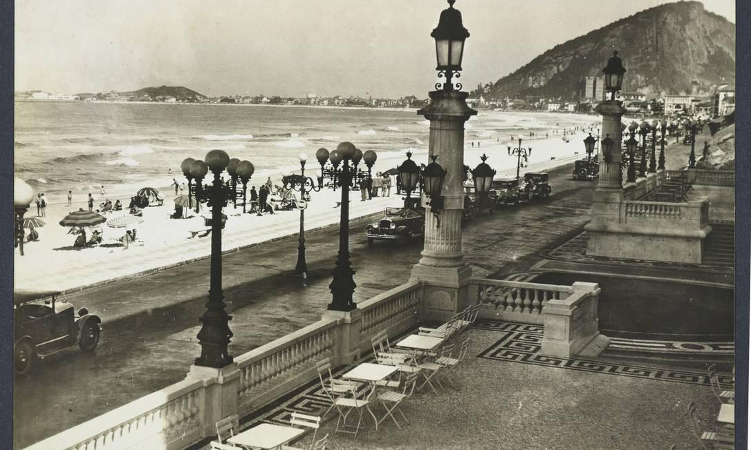 A praia de Copacabana vista do Copacabana Palace Augusto Malta/Fundação Biblioteca Nacional