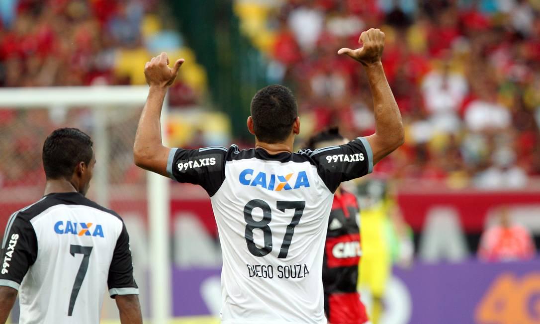 Diego Souza faz alusão ao título brasileiro de 1987, que Sport e Flamengo ainda disputam na justiça Cezar Loureiro / Agência O Globo