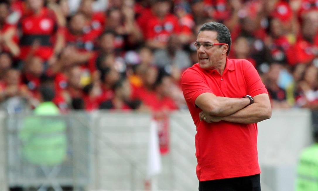 Vanderlei Luxemburgo, técnico do Flamengo, na partida com o Sport Cezar Loureiro / Agência O Globo