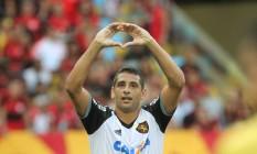 Diego Souza pertence ao Metalist, da Ucrânia, mas disputou o Brasileiro pelo Sport Foto: Cezar Loureiro / Agência O Globo