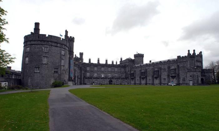 Castelo Kilkenny, na Irlanda Foto: JOHN COGILL/24-4-2006 / BLOOMBERG NEWS