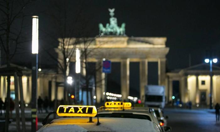 Táxis em Berlim, na Alemanha Foto: Krisztian Bocsi/4-2/2015 / Bloomberg News
