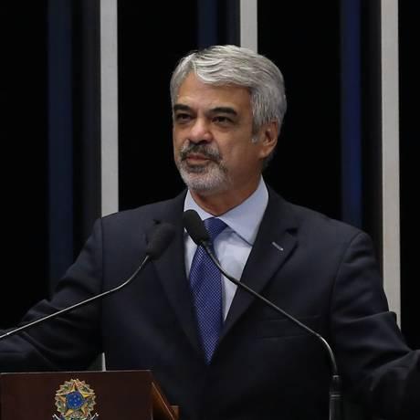 O Senador Humberto Costa (PT-PE) Foto: Ailton de Freitas / Agência O Globo