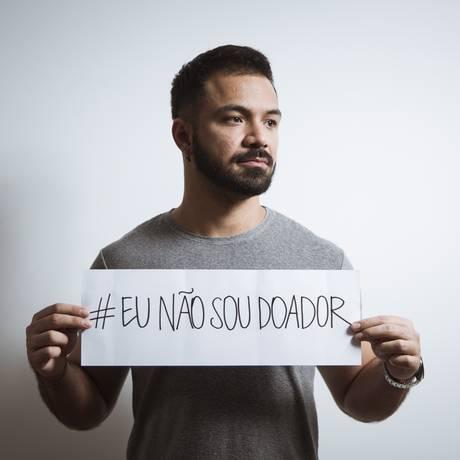 Marcos Passos foi impedido de doar sangue por ser gay, mesmo mantendo relação estável Foto: Leo Martins / Agência O Globo