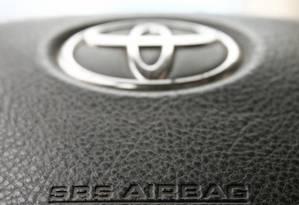 Volante de um modelo da Toyota com airbag Foto: Reuters