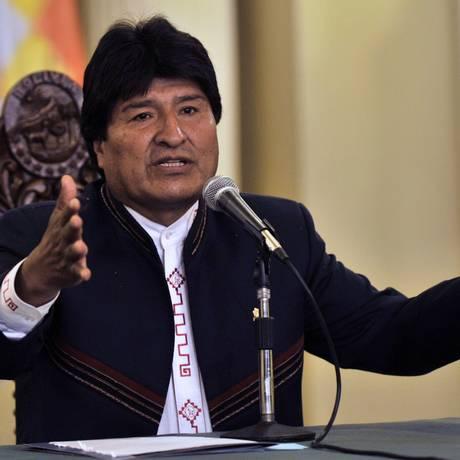 Evo Morales. Movimento ao Socialismo estuda maneiras de alterar a Constituição para garantir novo mandato do presidente boliviano Foto: AIZAR RALDES / AFP