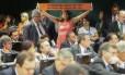 Protesto na sessão da comissão especial da reforma política que adiou para a próxima semana a votação do relatório