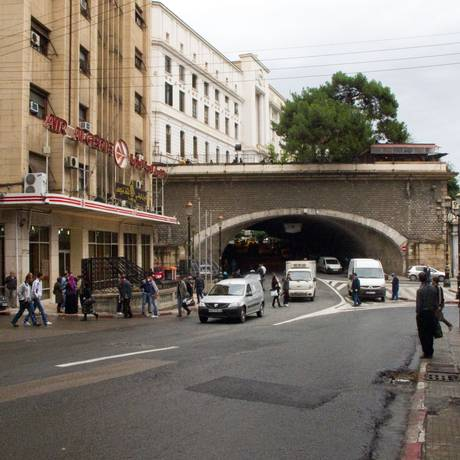 Argel. Capital argelina seria alvo de extremistas islâmicos mortos em operação das forças de segurança Foto: Wikimedia Commons