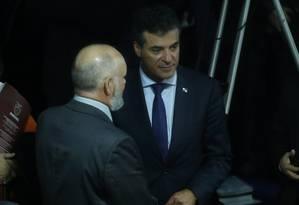 O governador do Paraná, Beto Richa acompanha a sessão no Senado que aprovou o nome de Fachin para o STF Foto: André Coelho/ O Globo