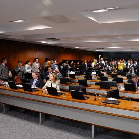 CCJ do Senado aprova aumento de até 78,56% para servidores do judiciário Foto: Agência Senado