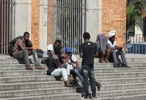 Centenas de haitianos vindos do Acre chegam a São Paulo e são acomodados no salão da igreja Nossa Senhora da Paz, no centro Foto: Michel Filho / Agência O Globo