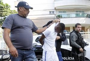 O primeiro adolescente apreendido por suposta participação na morte de médico na Lagoa Foto: Fabio Rossi / O Globo