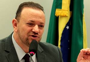O ministro da Secretaria de Comunicação Social da Presidência da República, Edinho Silva Foto: Jorge William / Arquivo O Globo 13/05/2015