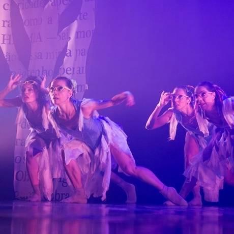 Dança. Bailarinos da Cia de Ballet com 'Sonho de uma noite de verão' Foto: Leo Zulluh / Divulgação