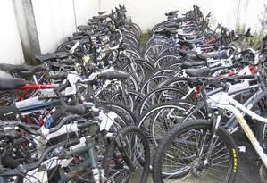 Bicicletas em depósito da 14ª DP (Leblon) Foto: Pedro Teixeira / Agência O Globo