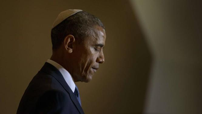 Obama vestiu quipá em evento em Washington Foto: BRENDAN SMIALOWSKI / AFP