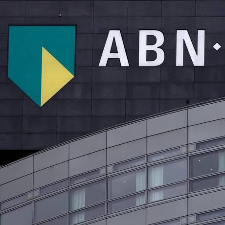 Escritório central do ABN Amro em Amsterdã Foto: Peter Dejong / AP/9-01-2014