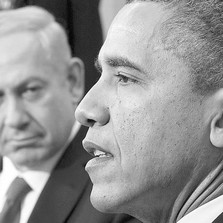 Benjamin Netanyahu (esquerda) e Barack Obama. Críticas do presidente americano a frase do primeiro-ministro israelense foi elogiada por parlamentar da Lista Árabe Foto: SAUL LOEB / AFP