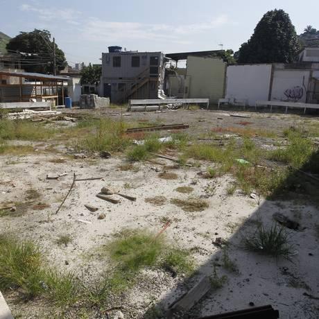 Terreno onde será construído o núcleo digital na Engenhoca Foto: Pedro Teixeira / Agência O Globo