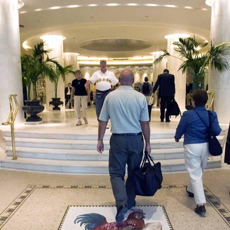 Lobby de hotel em Atenas Foto: ANAX / BLOOMBERG NEWS/02-5-2006