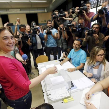 Ada Colau, do Barcelona em Comum, durante votação Foto: ALBERT GEA / REUTERS