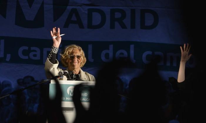 Manuela Carmena foi muito celebrada pela esquerda na Espanha Foto: PEDRO ARMESTRE / AFP
