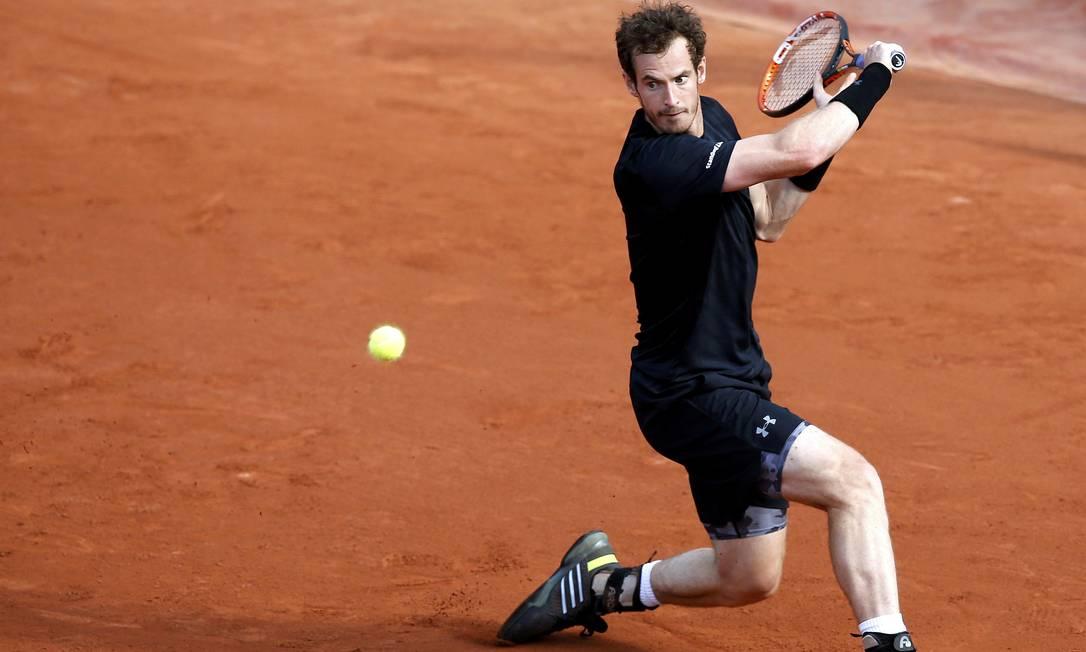 O escocês Andy Murray também entrou em quadra nesta segunda-feira JEAN-PAUL PELISSIER / REUTERS