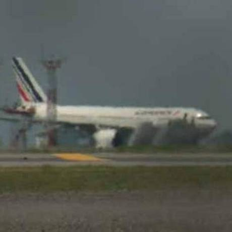 Avião da Air France foi escoltado por dois F-16 contra ameaças Foto: Reprodução/Twitter