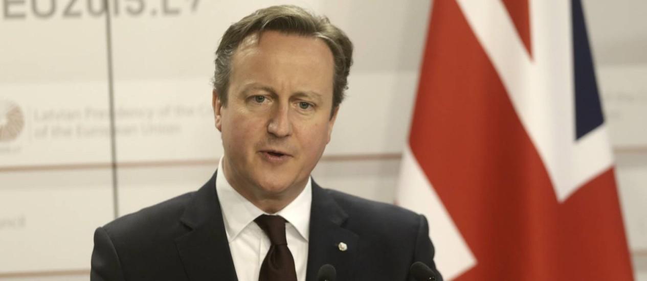 David Cameron. Primeiro-ministro apresentou proposta sobre referendo que deixaria esatrangeiros residentes no reino Unidos fora da votação Foto: INTS KALNINS / REUTERS