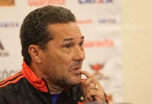 O técnico Vanderlei Luxemburgo foi demitido pelo Flamengo nesta segunda-feira Foto: Michel Filho / Agência O Globo
