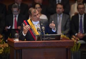 Rafael Correa em um discurso anual na Assembleia Nacional: jornalistas denunciam do viés político na aplicação da Lei da Comunicação e da perseguição à imprensa Foto: AFP/24-05-2015