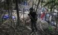 Polícia malaia diz que o que restou do acampamento, aparentemente abandonado às pressas, é pouco mais que um emaranhado de bambu e lona