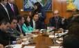 Deputado Rodrigo Maia (DEM-RJ) apresentou novo texto da reforma política para ser votado no plenário da Câmara