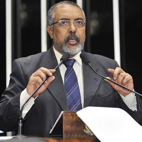 Após aprovação da MP 664, Paulo Paim anunciou que deve pedir uma licença do mandato Foto: Agência Senado