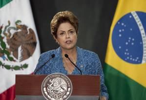 Dilma durante a viagem oficial ao México Foto: Marco Ugarte / AP