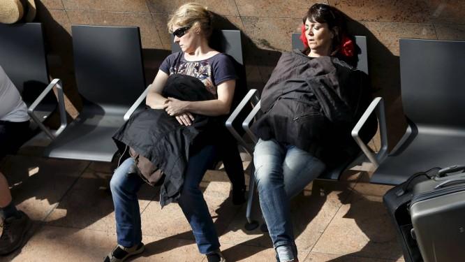 Passageiros tiveram de aguentar horas de atrasos Foto: FRANCOIS LENOIR / REUTERS