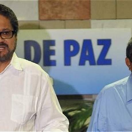 Jairo Martínez, à direita, em Havana: morto em bombardeio Foto: El Tiempo/GDA