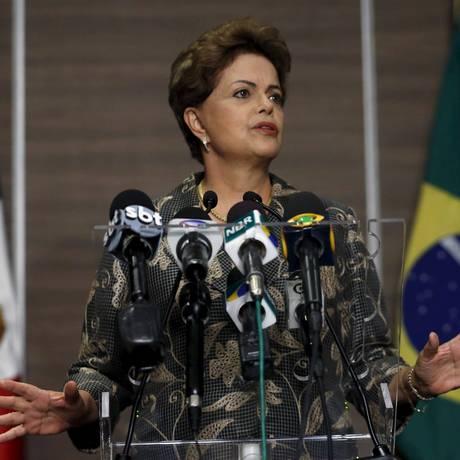 No México, a presidente Dilma Rousseff defende Joaquim Levy e Nelson Barbosa Foto: EDGARD GARRIDO / REUTERS