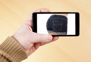 Policiais confiscaram 27 celulares e encontraram numerosas imagens de alunas nuas ou parcialmente nuas Foto: Axel Bueckert - Fotolia
