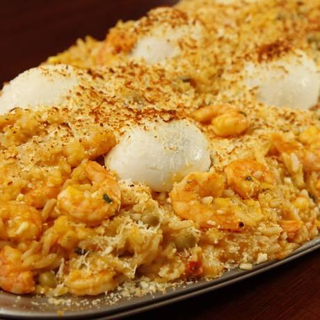 Favorito da galera. O risoto de camarão é o prato mais pedido do Siri Foto: Eduardo Naddar / Agência O Globo