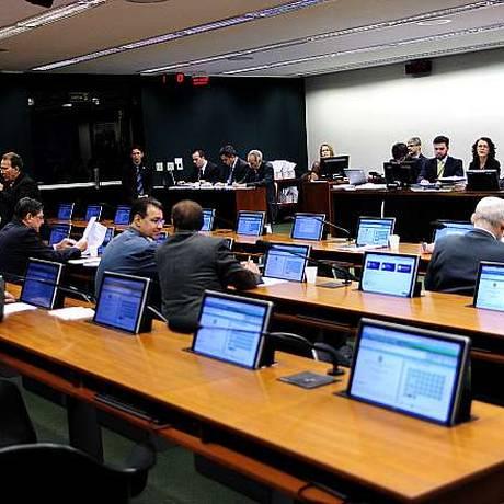 Reunião da CCJ Foto: LUCIO BERNARDO JR / Agência Câmara