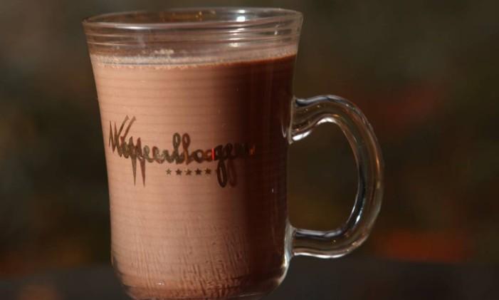 Kopenhagen. O chocolate quente Martin é um dos destaques da cafeteria da marca, mais conhecida por seus chocolates Foto: Angelo Antônio Duarte