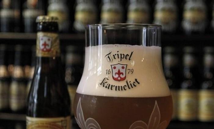 Acervo belga. Cervejas do país europeu são 70% do estoque Foto: Pedro Teixeira / Pedro Teixeira