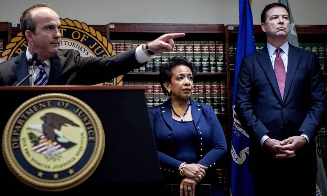 A procuradora-geral dos Estados Unidos, Loretta Lynch, resumiu que os crimes investigados, como fraude, extorsão e lavagem de dinheiro, ocorrem desde 1991 SAM HODGSON / Agência O Globo