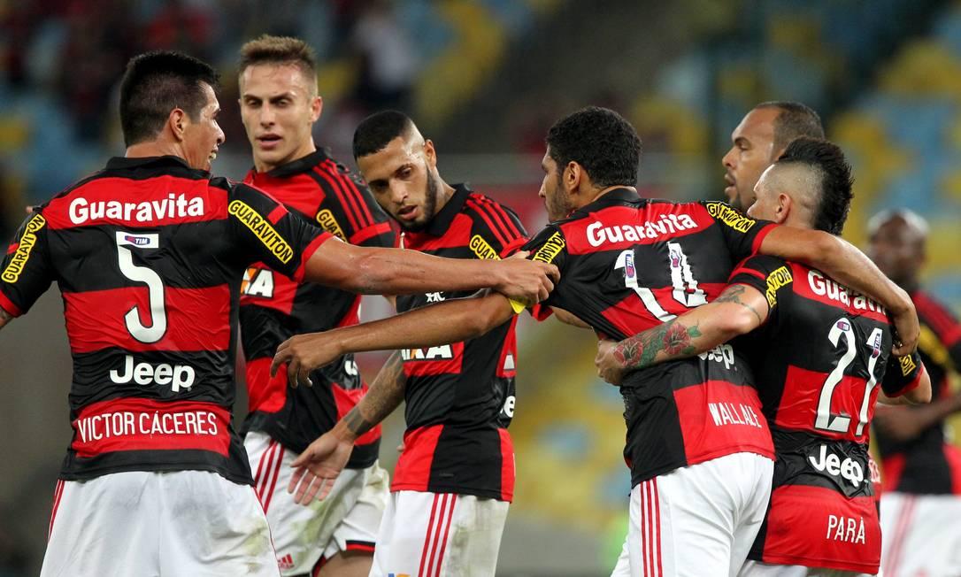 Número 14, Wallace comemora o gol que abriu o placar para o Flamengo Cezar Loureiro / Agência O Globo