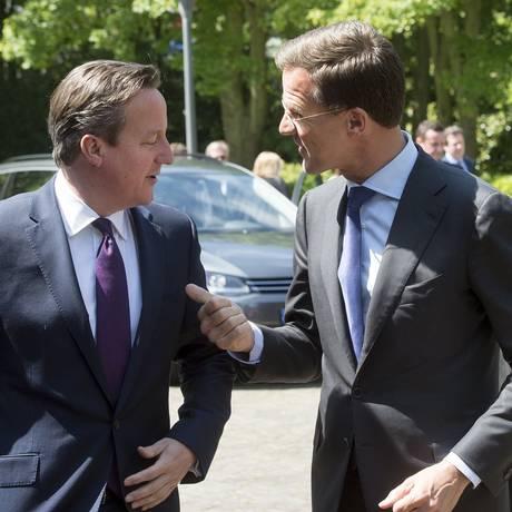 Premier Mark Rutte recebe David Cameron em Haia, na Holanda Foto: UNITED PHOTOS / REUTERS