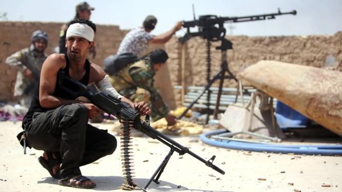 Forças xiitas ainda combatem o EI em áreas ao redor de Tikrit, reconquistada há dois meses Foto: AHMAD AL-RUBAYE / AFP