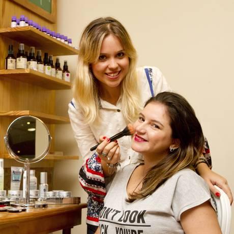 Personal. Tainah Sartori com Mariana Pacheco, cliente do serviço Foto: Bia Guedes